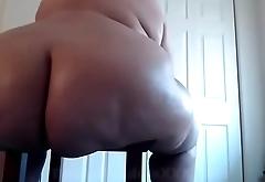 Booty Goddess shows off 60 Inch Ass