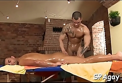 Hot hunk gets his taut anal avenue explored by masseur
