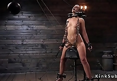 Locked neck slave gets head trimmed