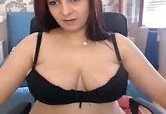 Cam sessions - MILF Stunner with massive boobs
