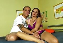 Iris und Heinz zeigen euch, was bei Ihnen im Bett so steht und abgeht